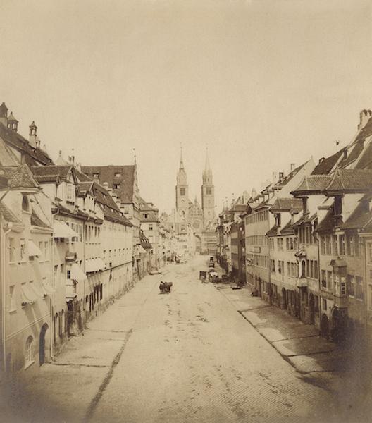 historische Fotografie der Karolinenstraße und Lorenzkirche in Nürnberg