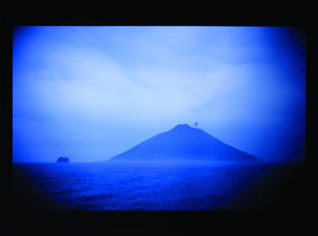 Nan Goldin, Sequences Portfolio (Alf and Fritz/Volcano), 1998 2: Stromboli at Dawn, Naples, 1996, 3 Fotographien (Ilfochrome), jeweils 40 x 50 cm, Städtische Sammlung Erlangen 19.04.2014, Größe: 1651 KB, Format: JPG