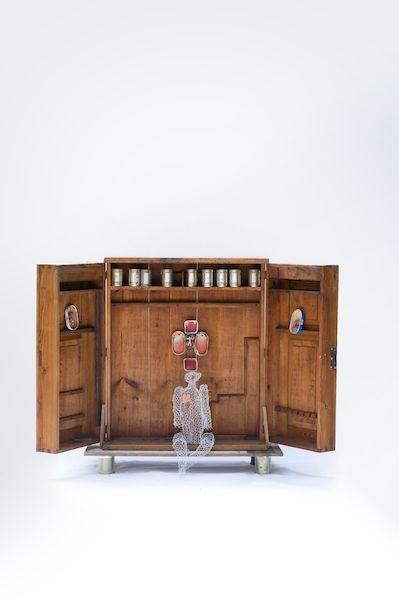 Reiner Zitta, Taoistischer Werkzeugschrank, 2014 Taoistischer Werkzeugschrank eines fränkischen Schreinermeisters vom Pegnesischen Blumenorden © Reiner Zitta, Foto: Stephan Minx, Nürnberg