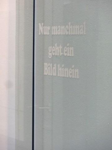 Sarah Erath: Nur manchmal, 2014, Spiegelfolie, 25 x 60 cm, © Sarah Erath