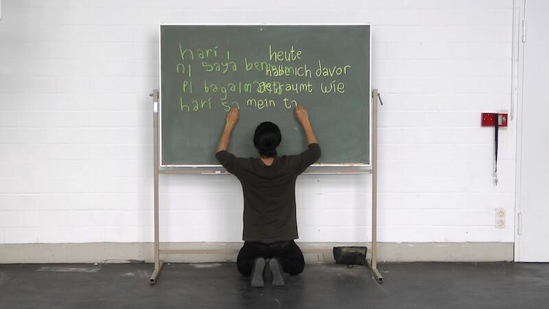 "Rizki Resa Utama, ""Heute (Today)"", Performance Documentation, 2013, Video Still, Copyright beim Künstler"