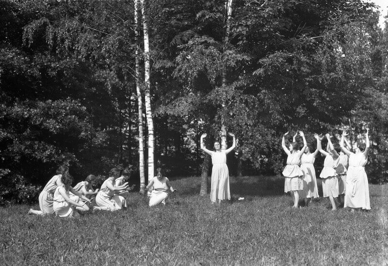 Atelier Boissonnas: Rhythmischer Tanz nach Emile Jaques-Dalcroze, 1. Viertel 20. Jahrhundert, Fotografie, Bibliothèque de Genève/CIG Foto: Bibliothèque de Genève/CIG