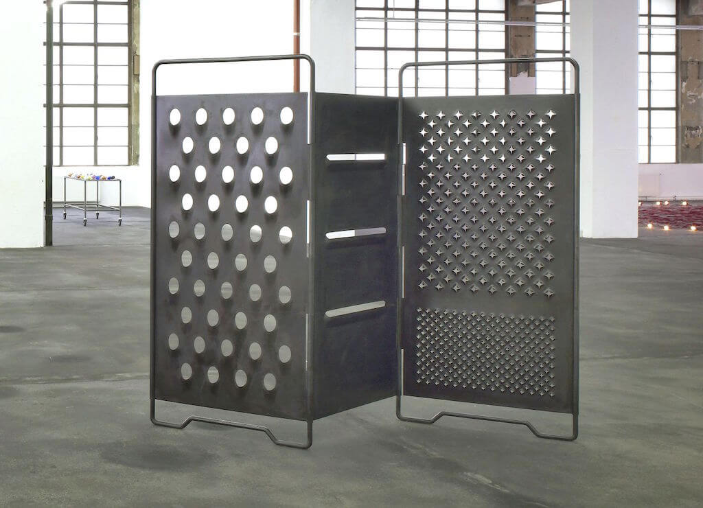 Mona Hatoum: Paravent, 2008, Geschwärzter Stahl, Courtesy: Sammlung Sander / The Sander Colletction, Foto: The Sander Collection, © Mona Hatoum