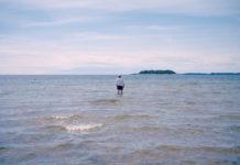 Mann und Meer, 2014, Analoge Fotografie, Mittelformat, © René Radomsky