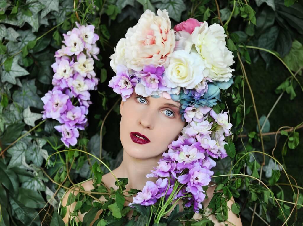 Flowers and Tears 2, 2015, Accessoires/ Köstüme: Mariella Fasone, Nikon D1X, © Mariella Fasone