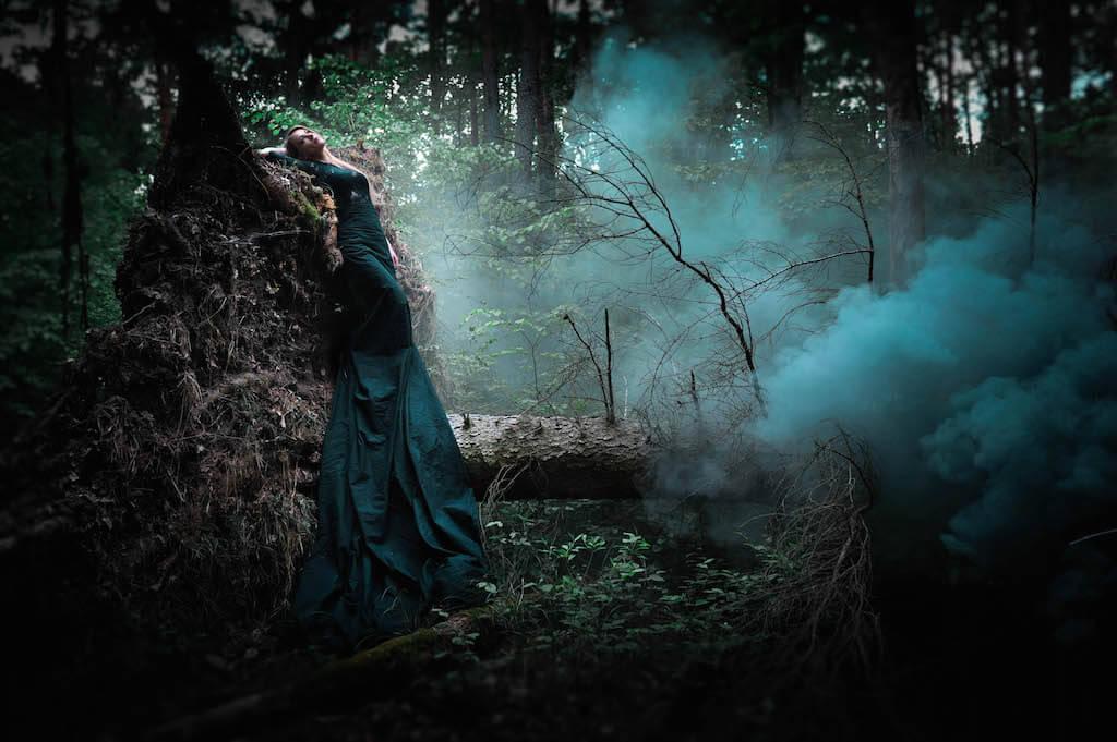 Dark Paradise ,2015, Accessoires/ Köstüme: Mariella Fasone, Nikon D700, © Mariella Fasone