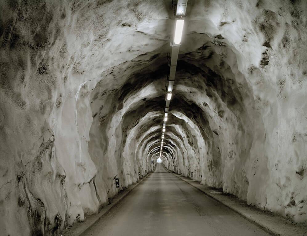 Olaf_Unverzart_Tunnel_Lourtier_50x65cm_gerahmt