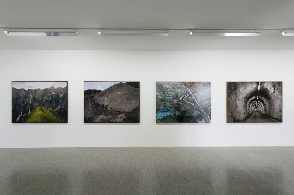 Olaf Unverzart, Blick die Ausstellung Caduta Sassi, © Oechsner Galerie
