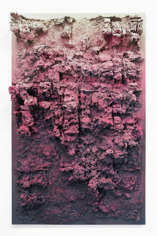 Jan Albers: heLLoheLL, 2013, Sprühfarbe auf Polystyrol und Holz, 171 x 110 x 21 cm, Sammlung Christian Hupertz, © Pressefoto Kunstpalais Erlangen