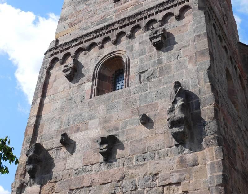 Heidenturm, Figurenprogramm, Ostseite, Kaiserburg Nürnberg