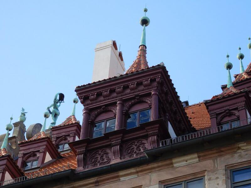 Fembohaus: hölzerner Erker auf dem Satteldach der Traufseite, © kunstnuernberg.de