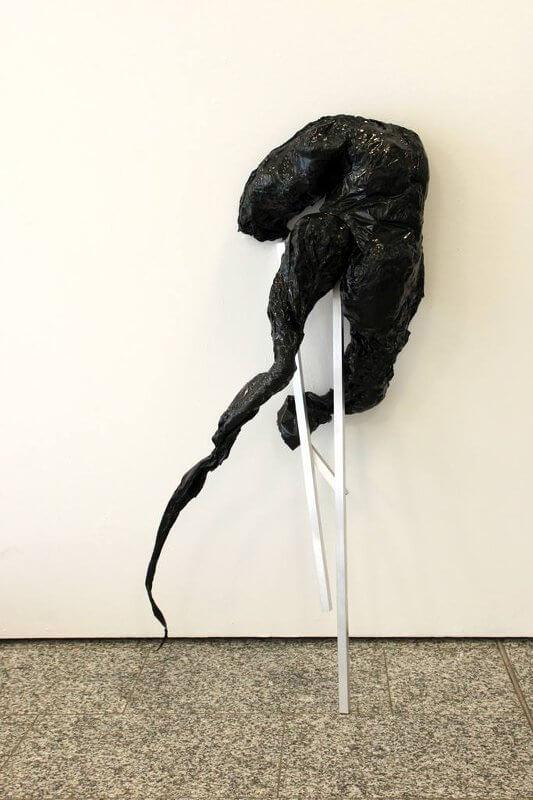 Morph IV, 2015, Polypropylene, Aluminium, 150 x 40 x 40 cm, © Elizabeth Thallauer
