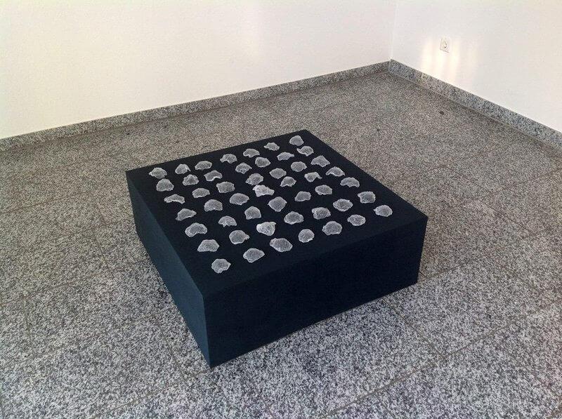o.T.(Generative Plastic I) 2014, Polypropylene, 80 x 80 cm, Ausstellungsansicht, © Elizabeth Thallauer