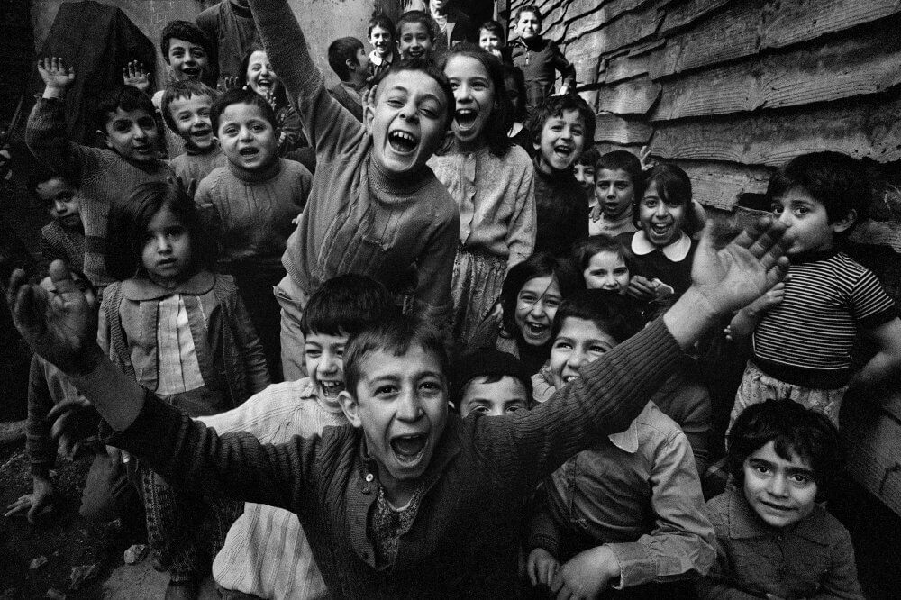 Children playing at Tophane, Istanbul, 1986, © Ara Güler