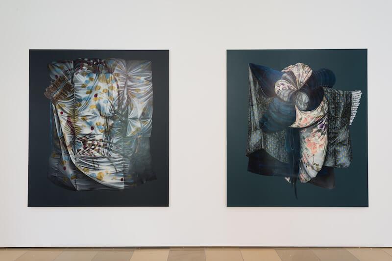 Mona Ardeleanu Kuro 2017/III und Kuro 2017/IV Öl auf Leinwand/oil on canvas, je 180 x 160 cm Courtesy Galerie Thomas Fuchs Stuttgart Ausstellungsansicht/installation view, Foto/photo: Annette Kradisch, Nürnberg