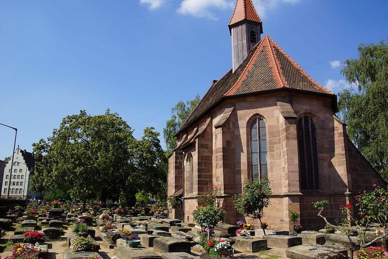 Der Rochusfriedhof im Nürnberger Stadtteil Gostenhof, 2013, Attribution-ShareAlike 3.0 Unported (CC BY-SA 3.0)