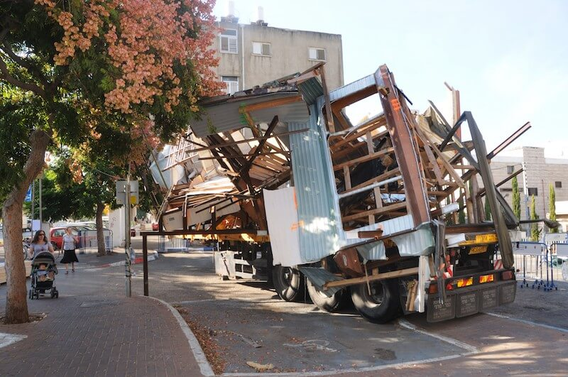"Peter Buggenhout, ""The Second Strike"", 2011 Installationsansicht Herzliya Biennale, Herzliya (IL) · © Pardo Yigal"