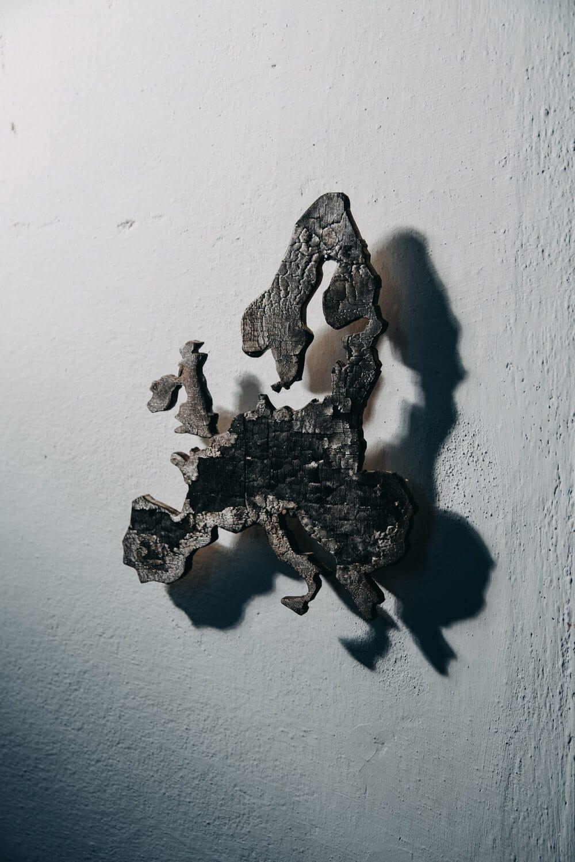 Shou-sugi ban Europa, 2017 25x40cm Ausstellungsansicht: 'FK:K' im Kunstraum Kesselhaus, Bamberg, 2018 Foto: Marian Lenhard