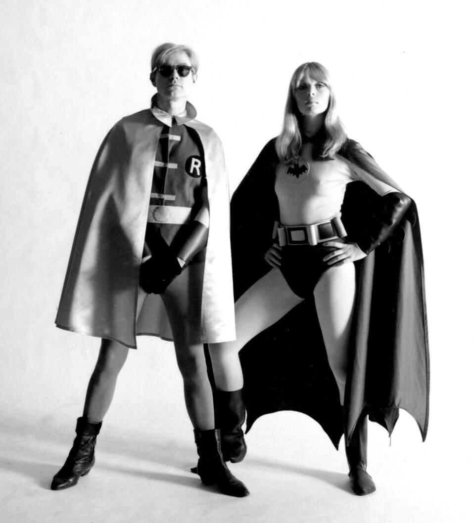 Nico und Andy Warhol als Batman und Robin, 1967, Foto: Frank Bez.