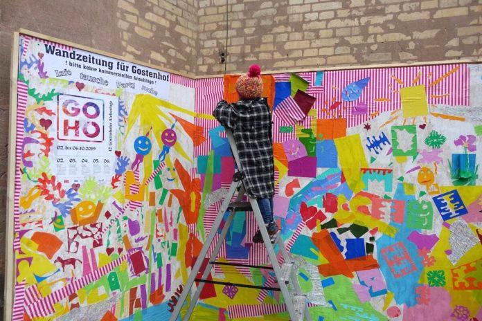 Wandzeitung an der Dreieinigkeitskirche, Foto: Gostenhofer Ateliertage - GOHO