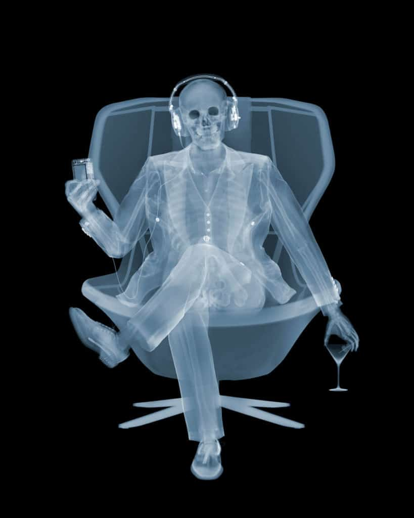 Nick Veasey Easy Listener, Röntgenfotografie © Nick Veasey